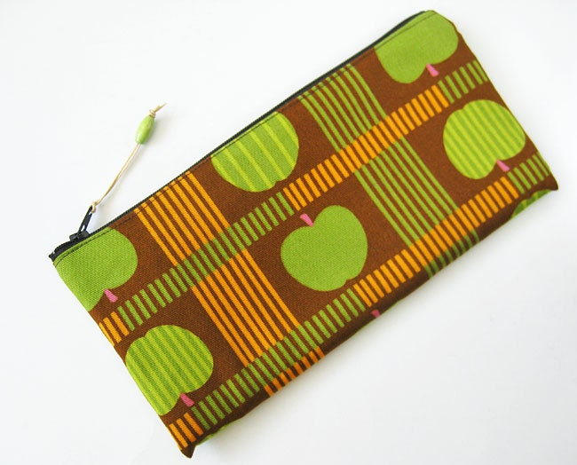Green apples on brown zipper pouch - oktak