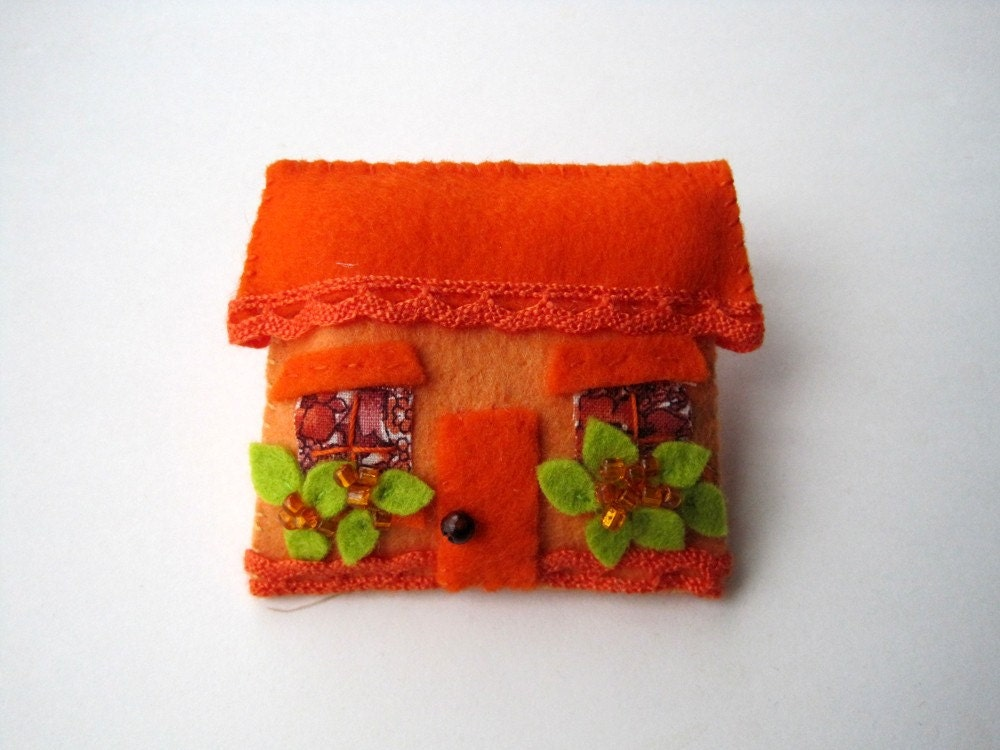 Brooch Orange House