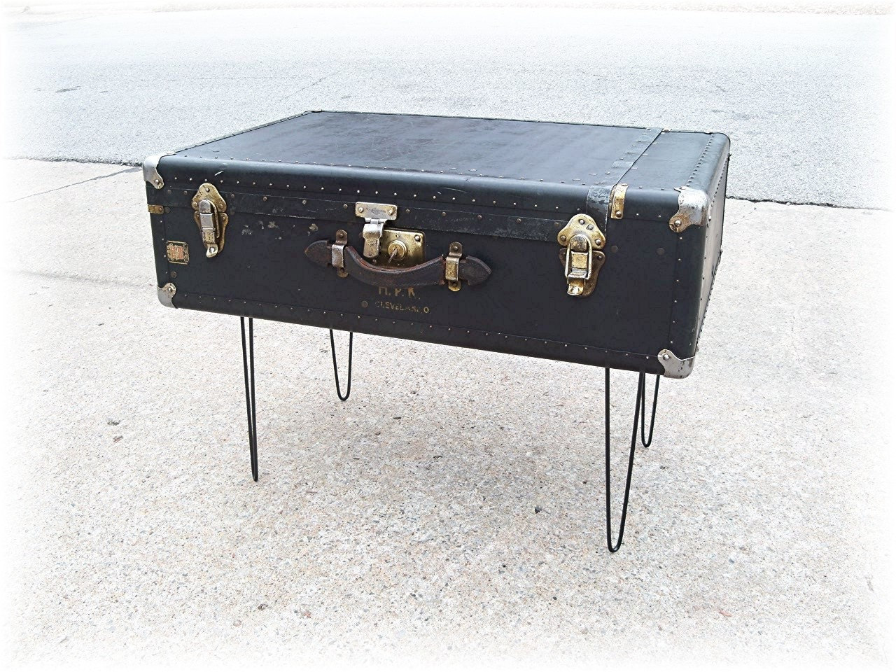 Suitcase Table Distressed Wheary Steamer Trunk Upcycled And Renewed Coffee Table Ebay