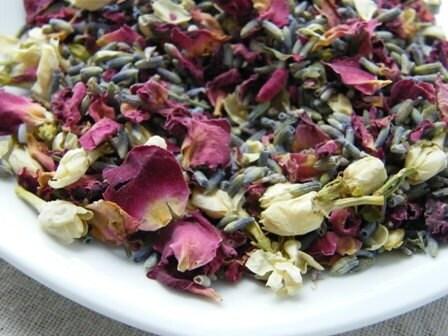 Ivory Botanical Sachet, Organic Rose, Jasmine, Lavender