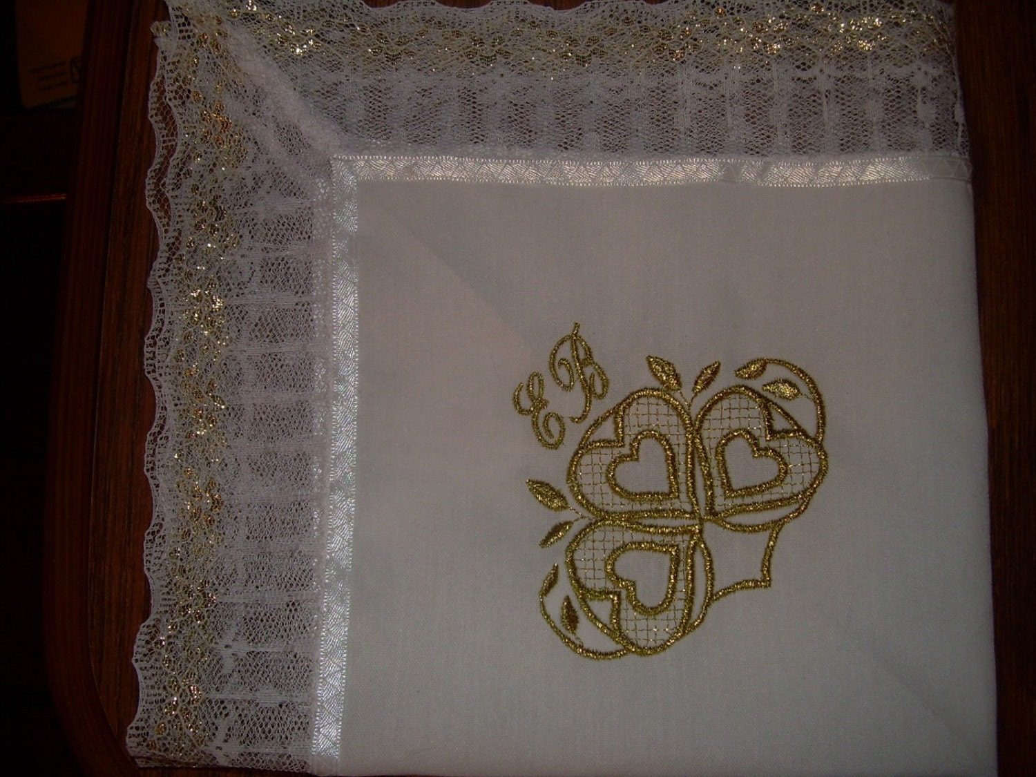 Lady embroidered handkerchief free embroidery patterns
