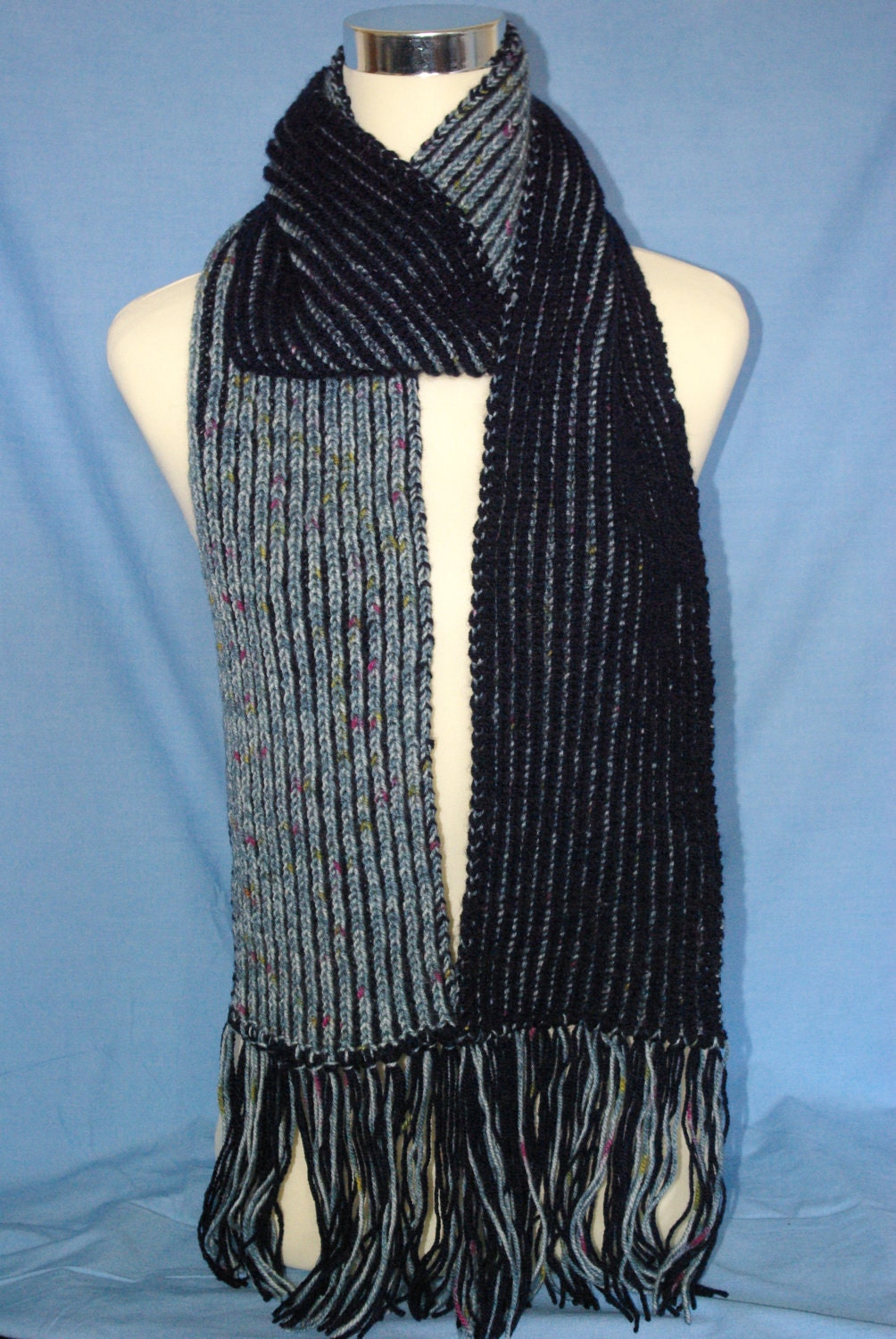 Men's Brioche scarf .Blue/navy.