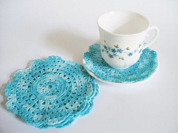 Blue crochet coasters, Set of 4, Tea / Coffee coasters, Vintage Chic, Table decor, Flower doily - DecoZoneStudio