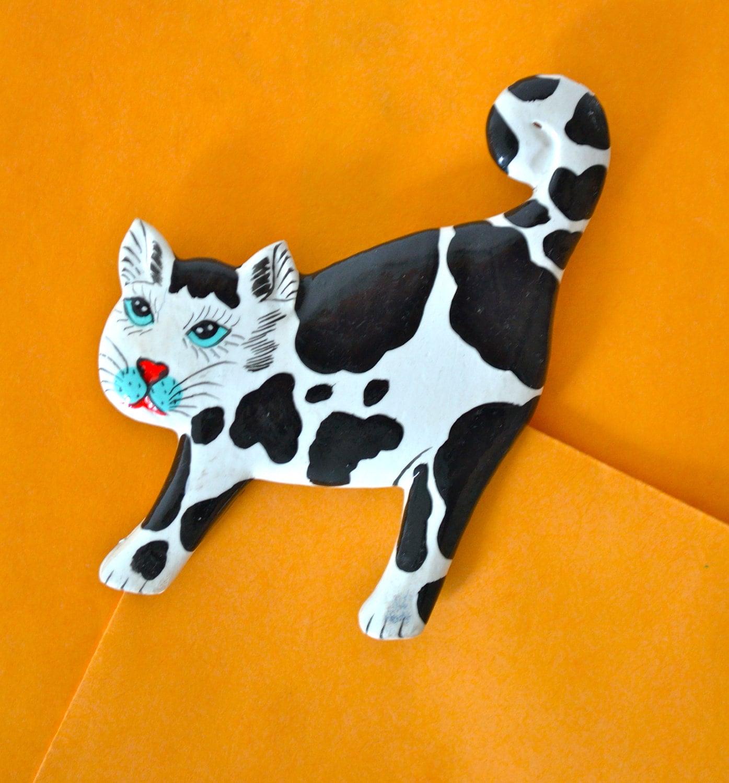 Enamel CAT Brooch, Black & White Enamel, VINTAGE Animal Brooch, OOAK Gift Idea - ESTATENOW