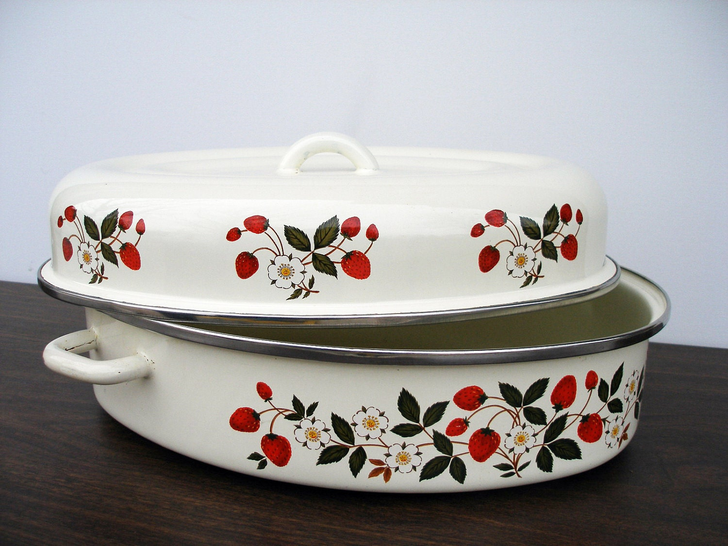 "Roasting Pan ""Strawberries n' Cream""  - Sheffield Enamel Oval Metal Roasting Pan"