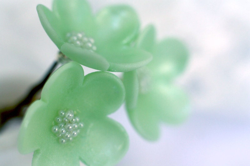 Mint green flower hair pin - HitomiDesigns