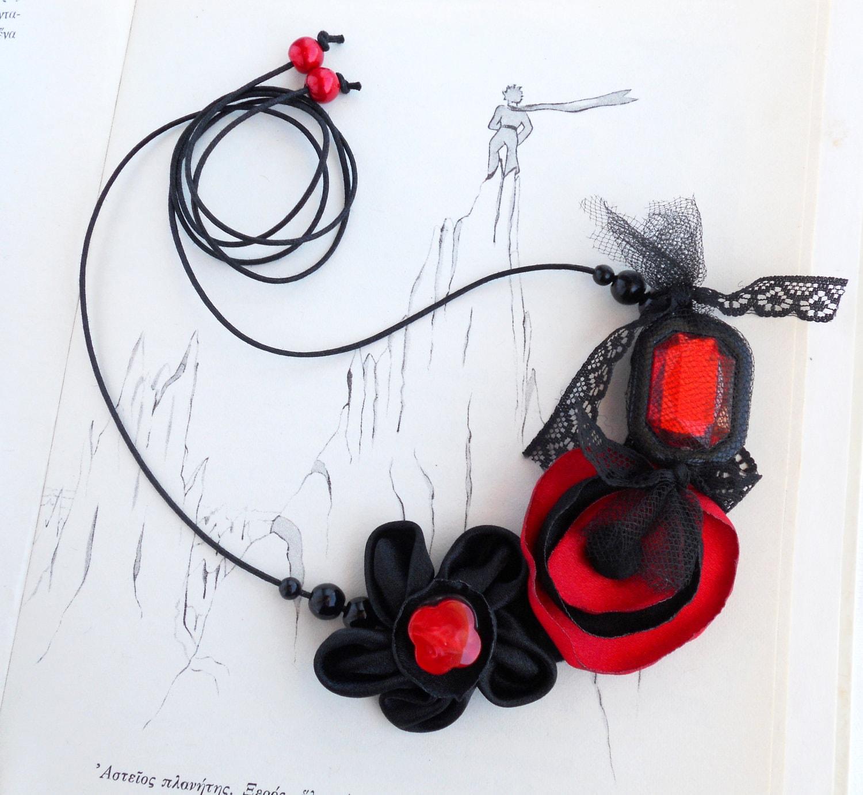 Black Red Necklace, satin