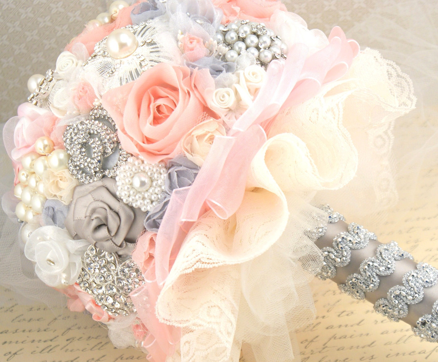 Брошь Букет Jeweled Свадебный букет Blush Pink, серый и слоновая кость-Blush принцессы