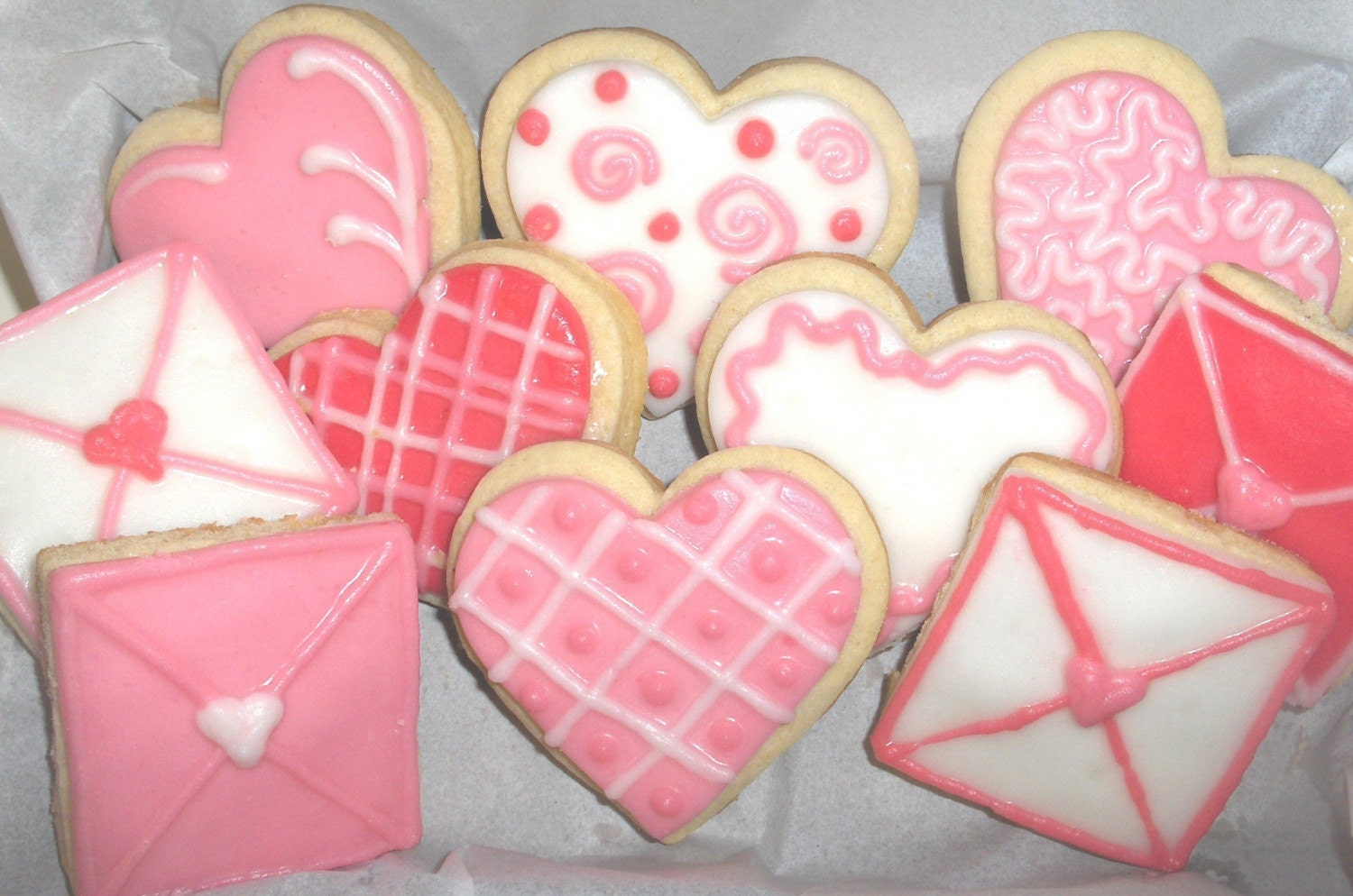VALENTINE COOKIES-Decorated sugar cookie with rich Buttercream frosting-Hearts and letters