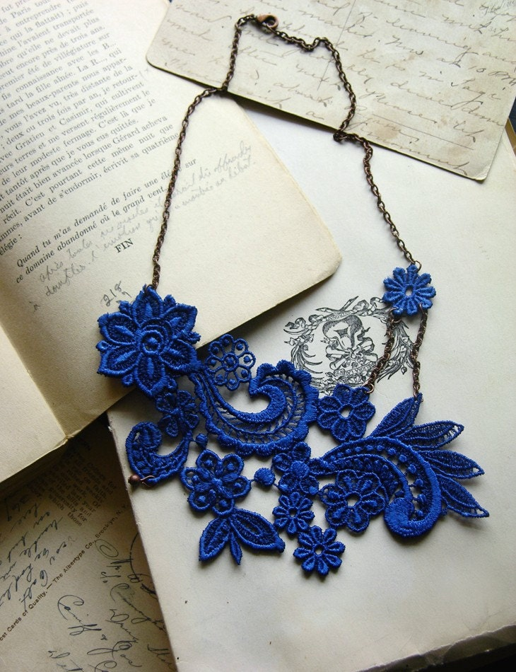 lace necklace -MIHARA- (cobalt blue) - whiteowl