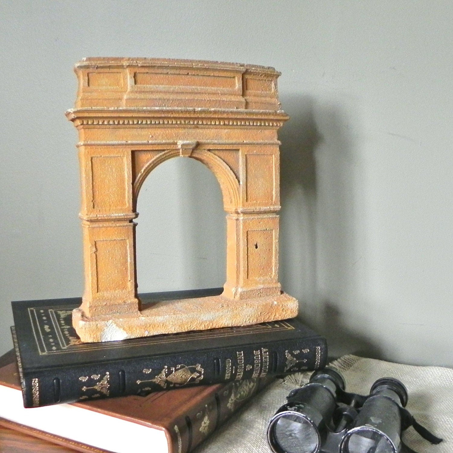 RESV s333 Vintage home decor sculpture L'arc de by jollytimeone