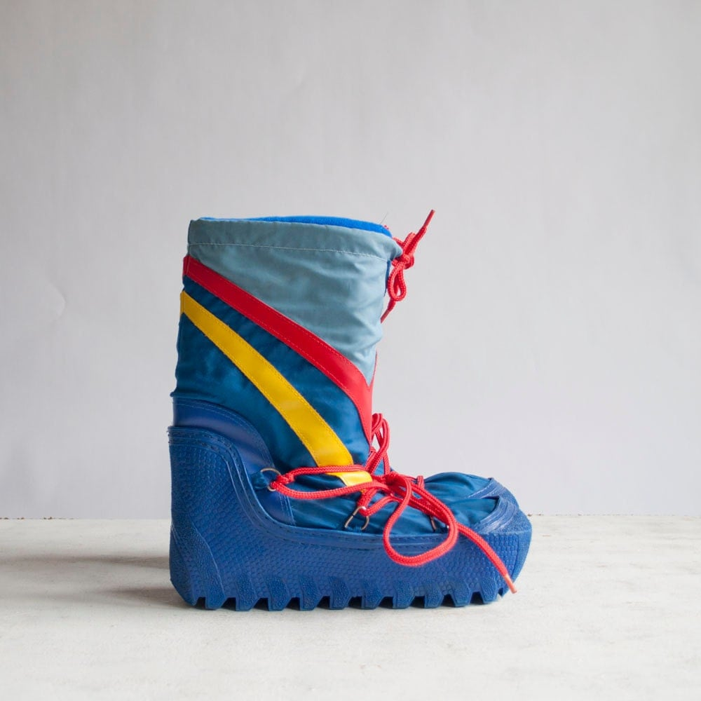Vintage Moon Boots / Snow Boots / Rainbow by GingerRootVintage from etsy.com