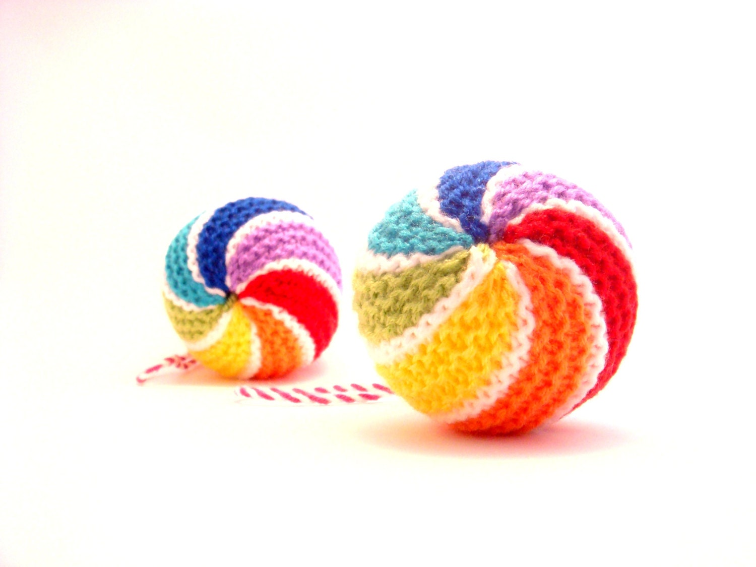 Baby first toy, new baby rattle toy rainbow , handmade knitted rattle toy - Agutik