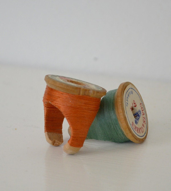 Vintage Wooden Spool Ring - Coral Size 7