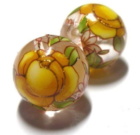 2 Japanese Oriental Tensha Floral Round Beads --Yellow Rose On Clear Background