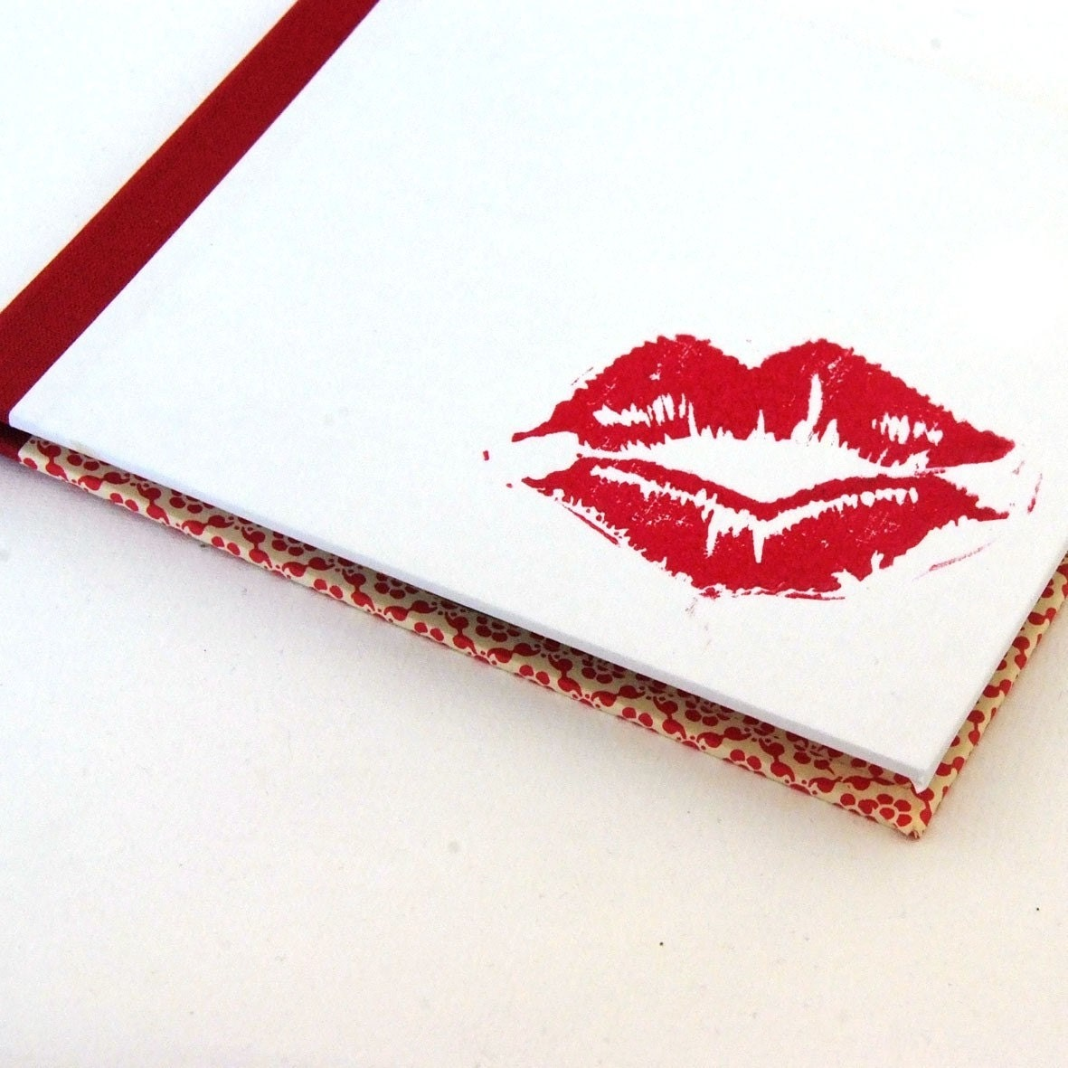 Nauli handmade CD Case Kiss from a Pin-Up Girl - nauli