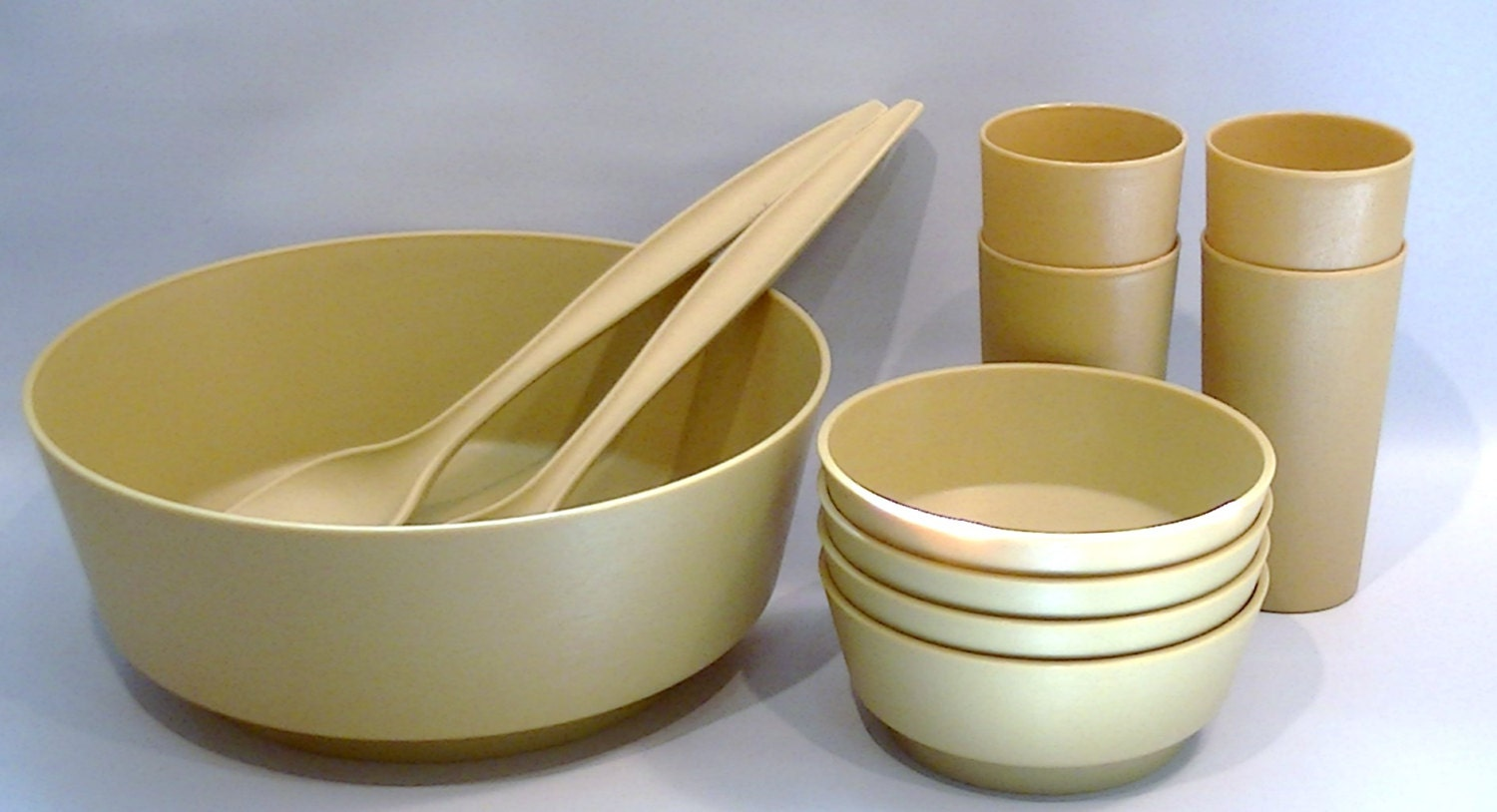Vintage Rubbermaid Serving and Salad Bowl Set for 4 includes Serving Forks and Tumblers, Mustard Yel