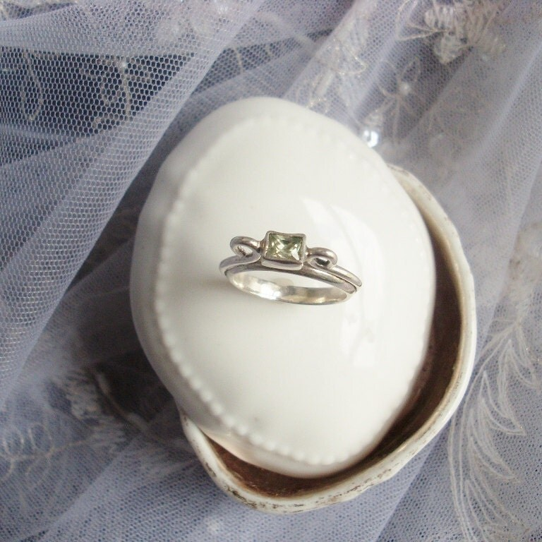0.50 ct Mint Tsavorite Garnet - Aregentium Silver sz 8 - Hera Ring