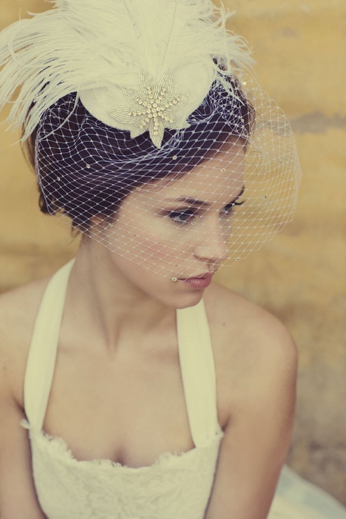 Ivory Birdcage Veil Feather Fascinator Silver Beaded Star Head Piece