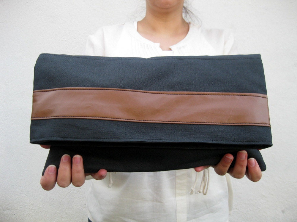 Modern City-Clutch Large-Pouch-Gray Brown - marbled