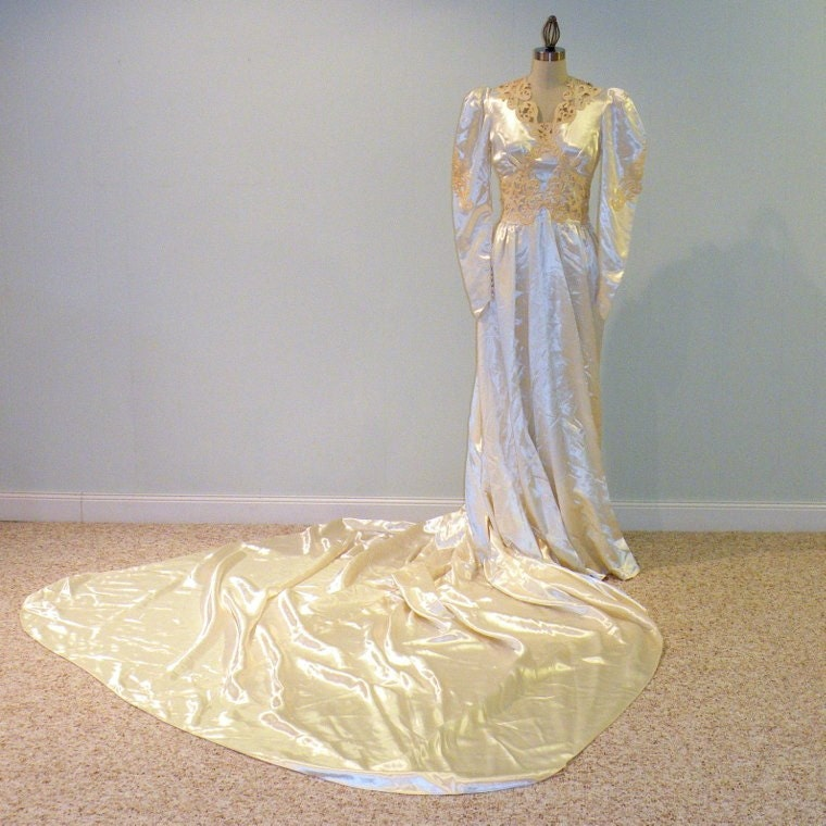 Vintage 40s Wedding Dress Ivory White Slipper Satin Beaded Headpiece