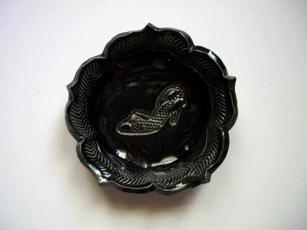 Black Lotus Bowl with Sling Pump Shoe