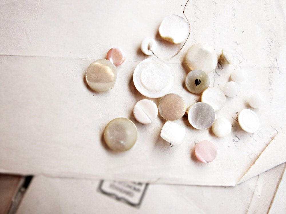 vintage buttons - mother of pearl - dolly mix - pretty shabby colours - faginsdaughter