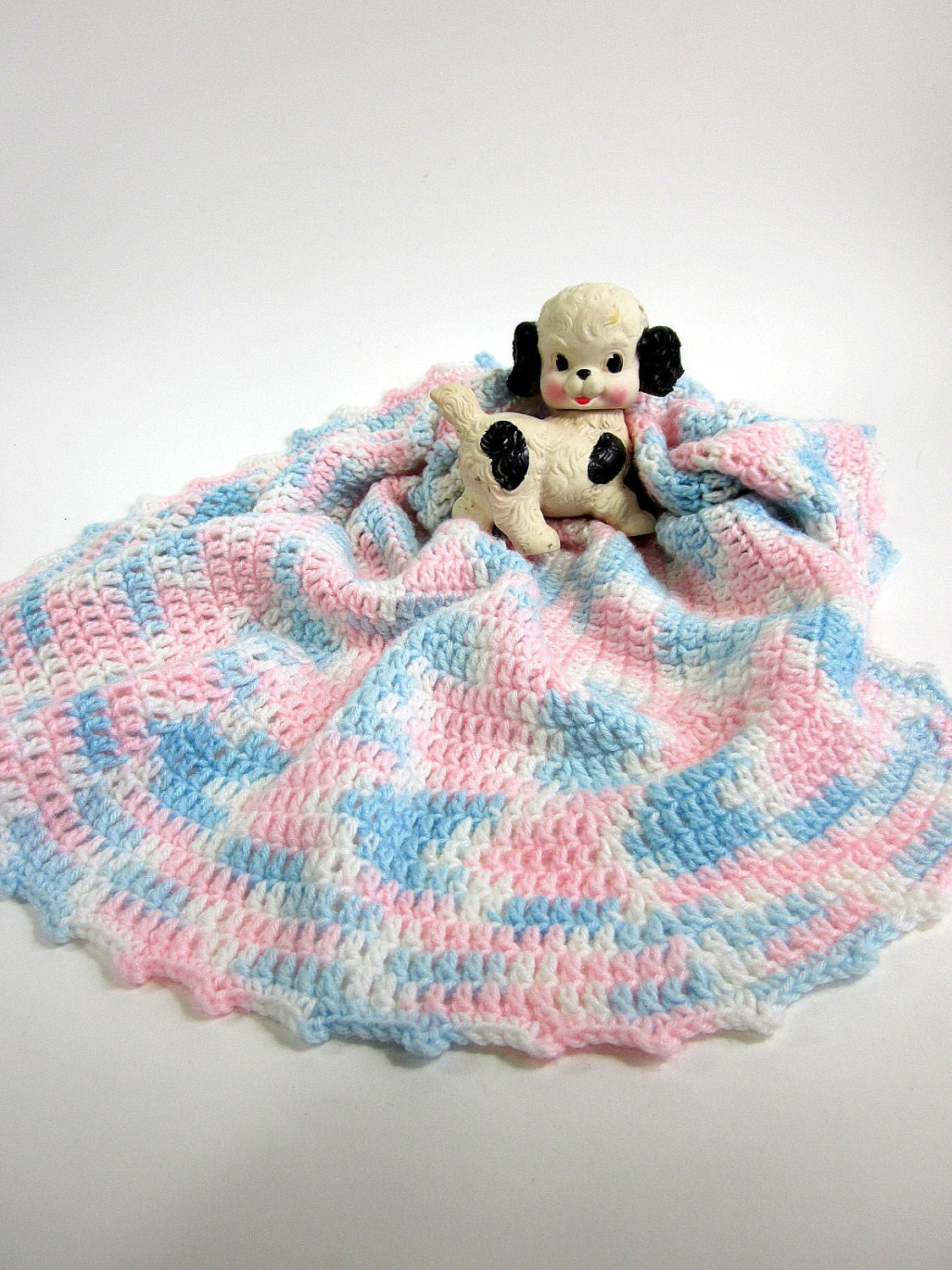 sale // Vintage Crocheted Pink and Blue Oval Baby Blanket - OopseeDaisies