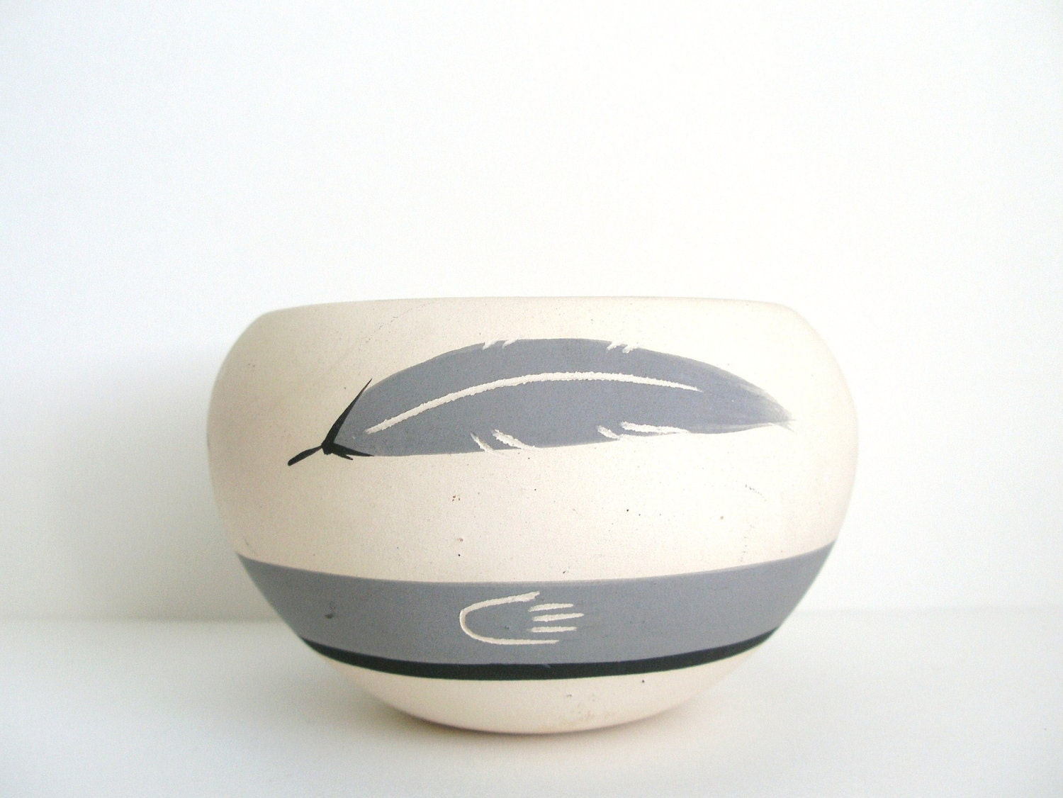 Grey Three Feather Ceramic Bowl Vase Native American Southwest Style - VintageZen