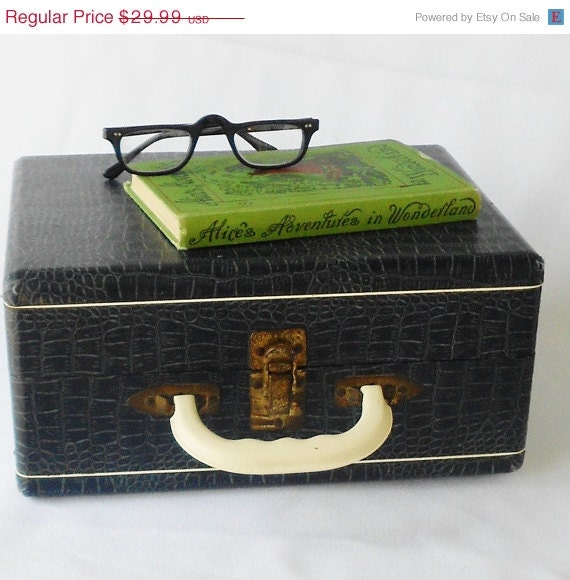 SALE Vintage Wooden Case Blue Ivory Lucite Handle - normajeanscloset