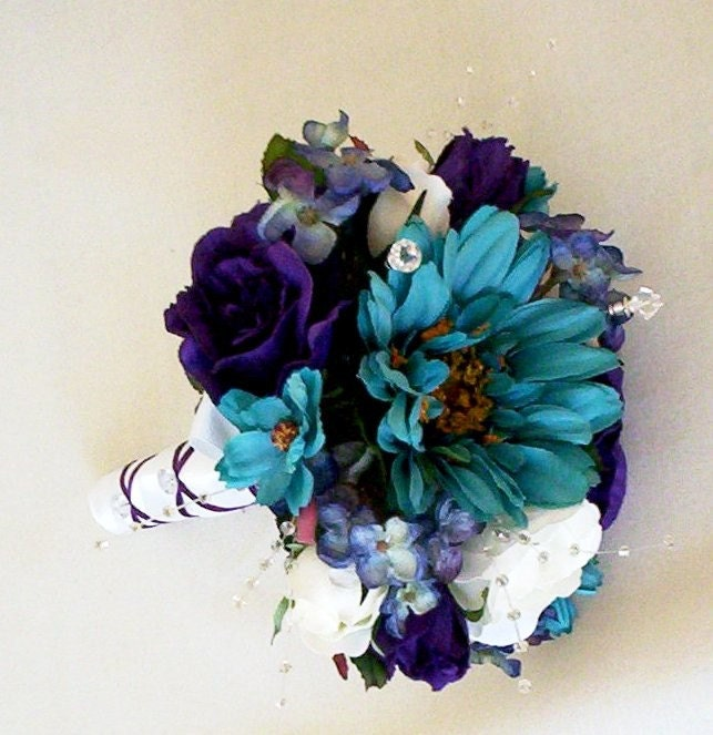 sunflower with teal wedding bouquets