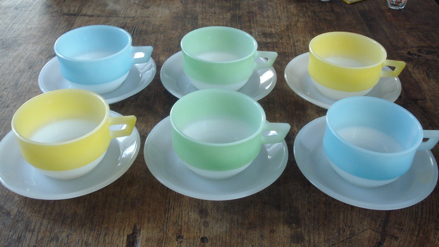 6 Pastel Arcopal Plates & Bowls Cups for Soup or Snacks France Summer Breakfast 70s