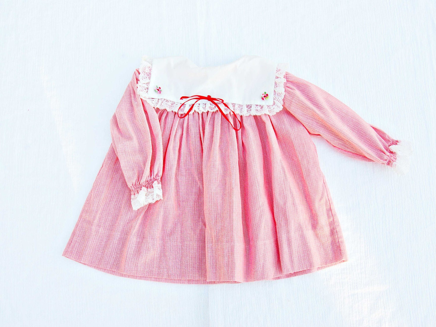 Vintage Baby Girl Red Pinstripe Dress, size 18 months, long sleeves, red bow, white lace - HeySweetiePieShop