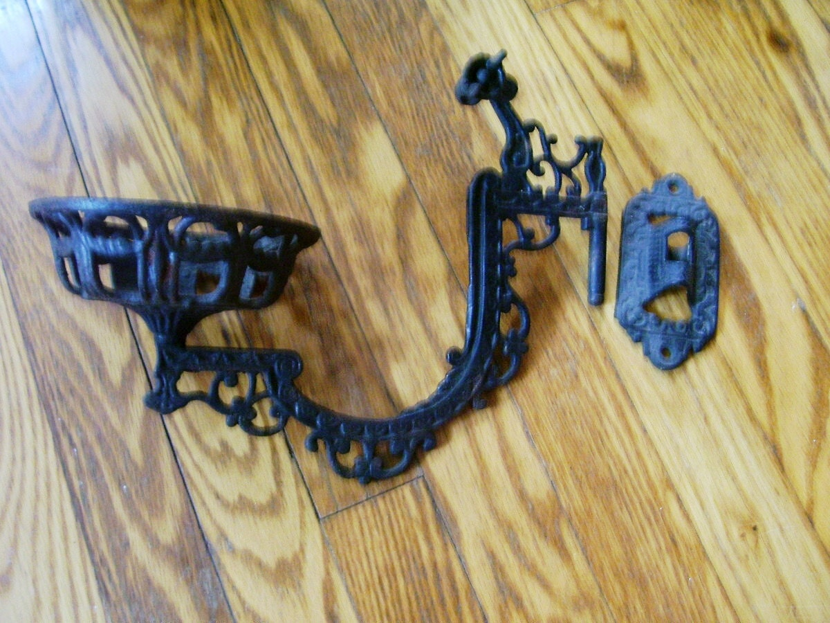 Antique 1800's Victorian Rare B&H Cast Iron Oil/Kerosene Lamp Bracket - Antiquelampsandparts