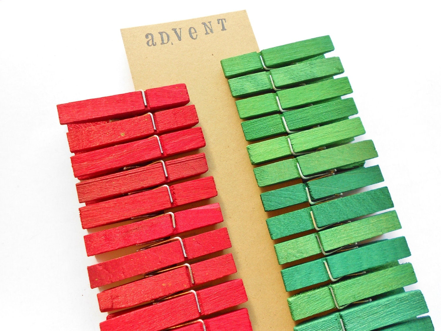 Advent Calendar Clothespins - Christmas Themed - Red / Green - 25 Medium - Free Shipping