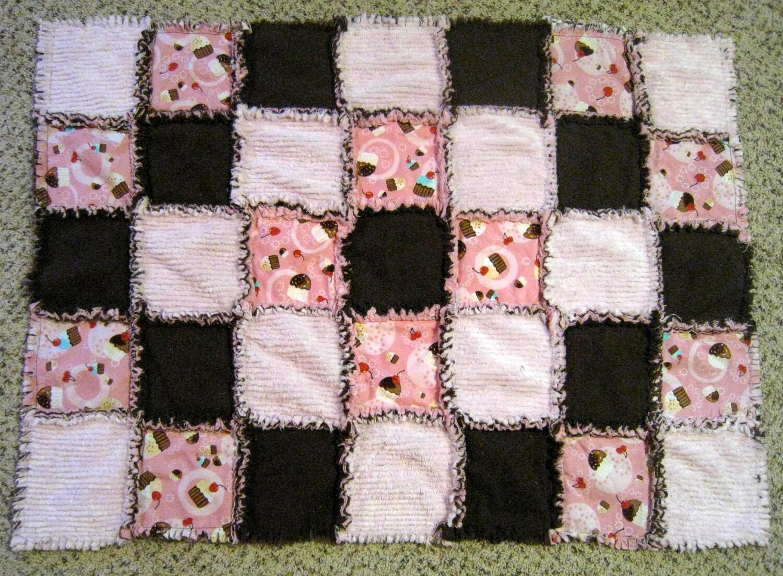 Robert Kaufman Pink Cupcake, Chenille & Flannel Rag Quilt