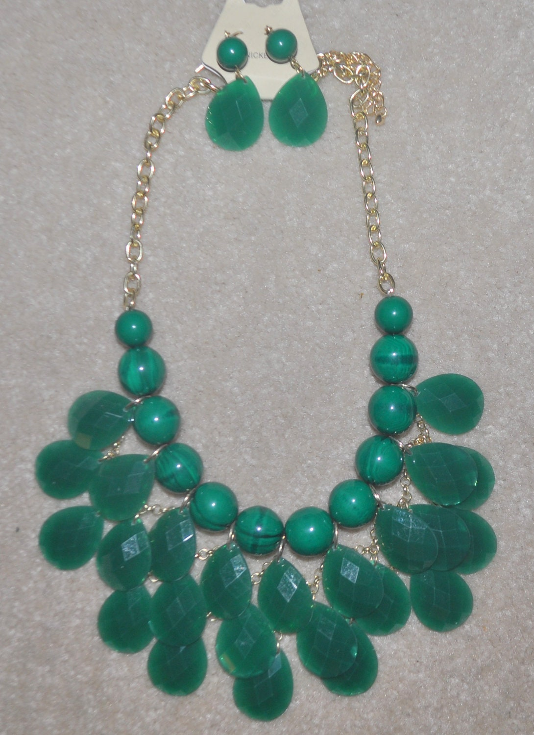 Bib necklace with earrings
