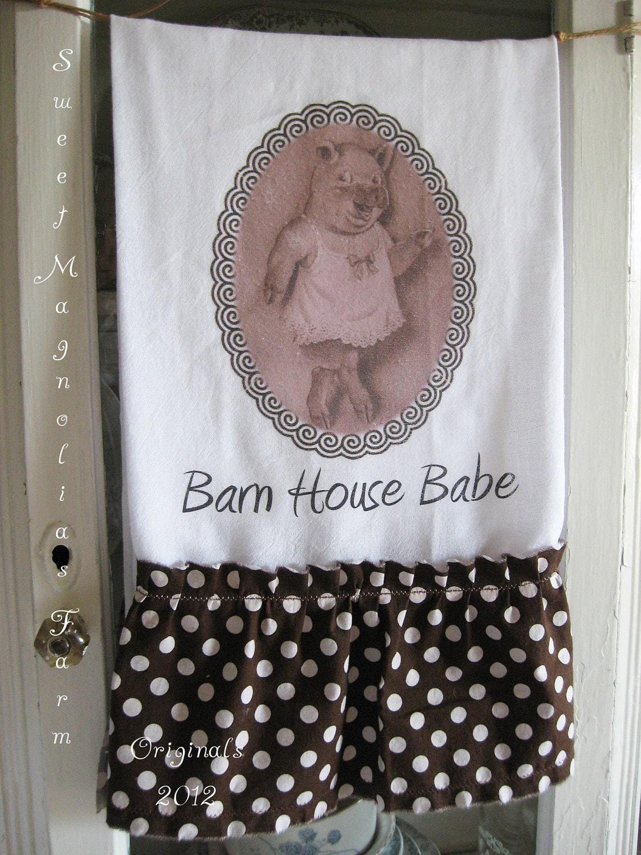 """Мука мешок кухонное полотенце - Свинья в ночь на платье """"Барнхауз Babe"""" ... для вашего дома, сельский дом или коттедж"""