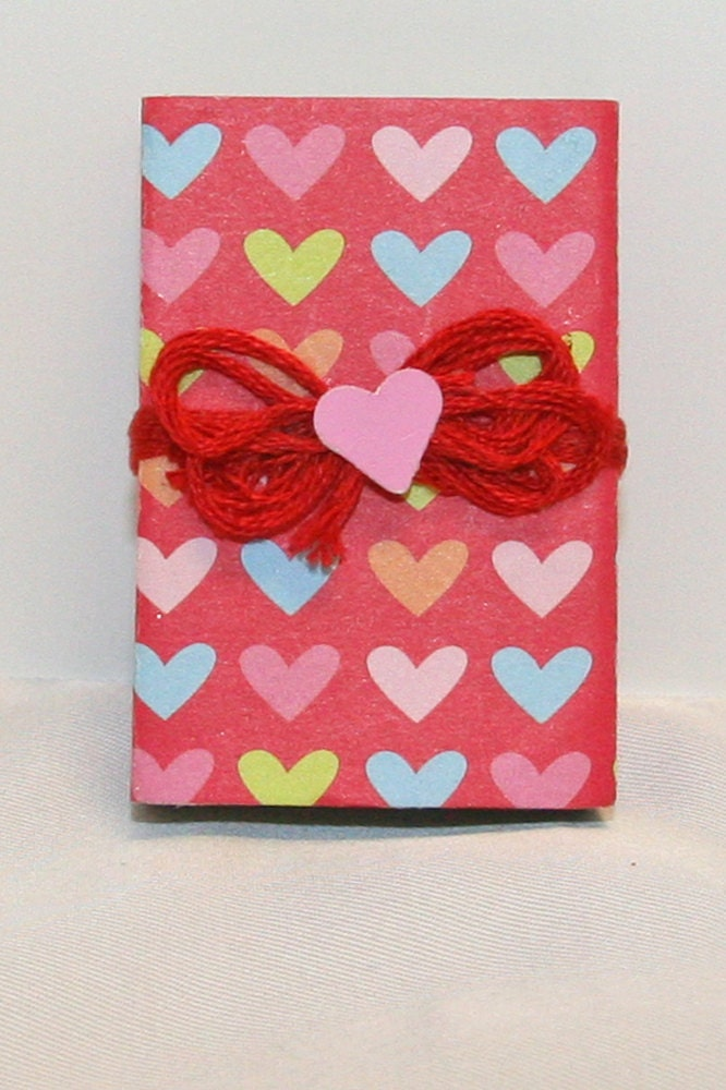 VALENTINES DAY/ WEDDINGS: Heart favor box