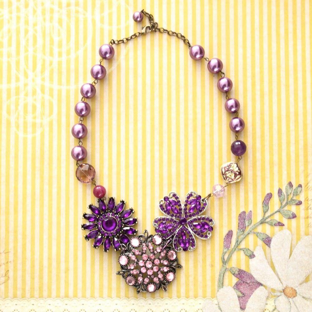 Purple Flower Necklace Statement Necklace Vintage Style Necklace Beaded Necklace Pearl Necklace Bridesmaid Necklace Wedding Jewelry