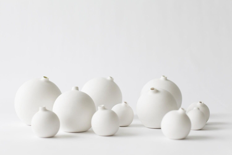 New medium size porcelain bud vase - tokyocraftstudios