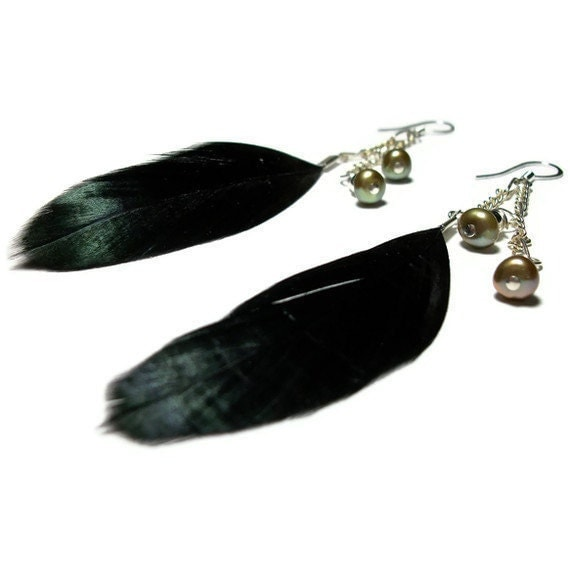 Bohemian Feather Dangle Earrings with Pearls - Black, Silver, Tawny-Green