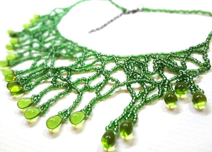 Jungle Vines - Green Beaded Necklace - MegansBeadedDesigns