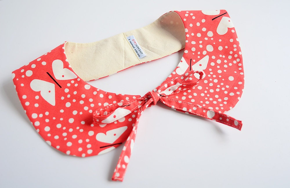 peterpan collar - spring collar - butterflies on cherry