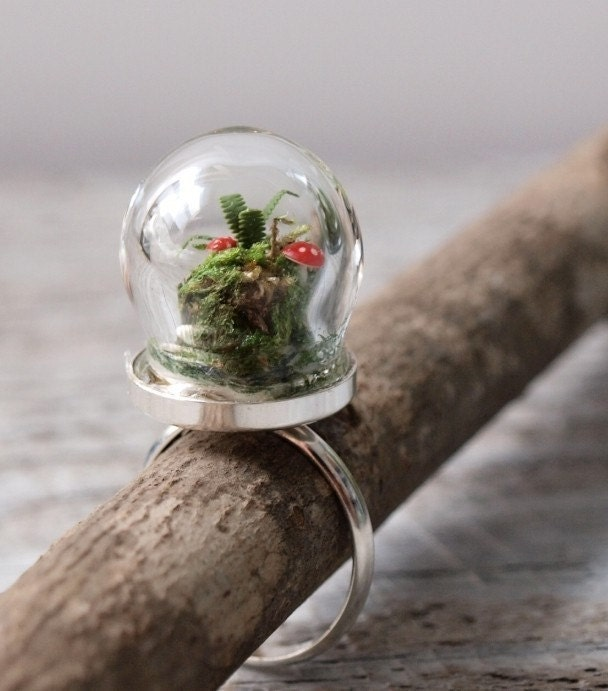 Terrarium Ring - with Moss, Red Toadstool Mushrooms, and Ferns