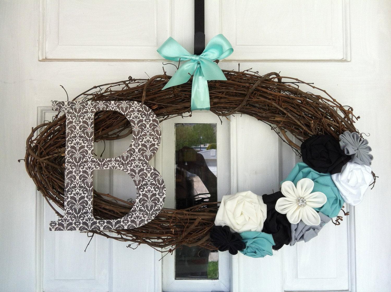 Custom Oval Monogram Wreath