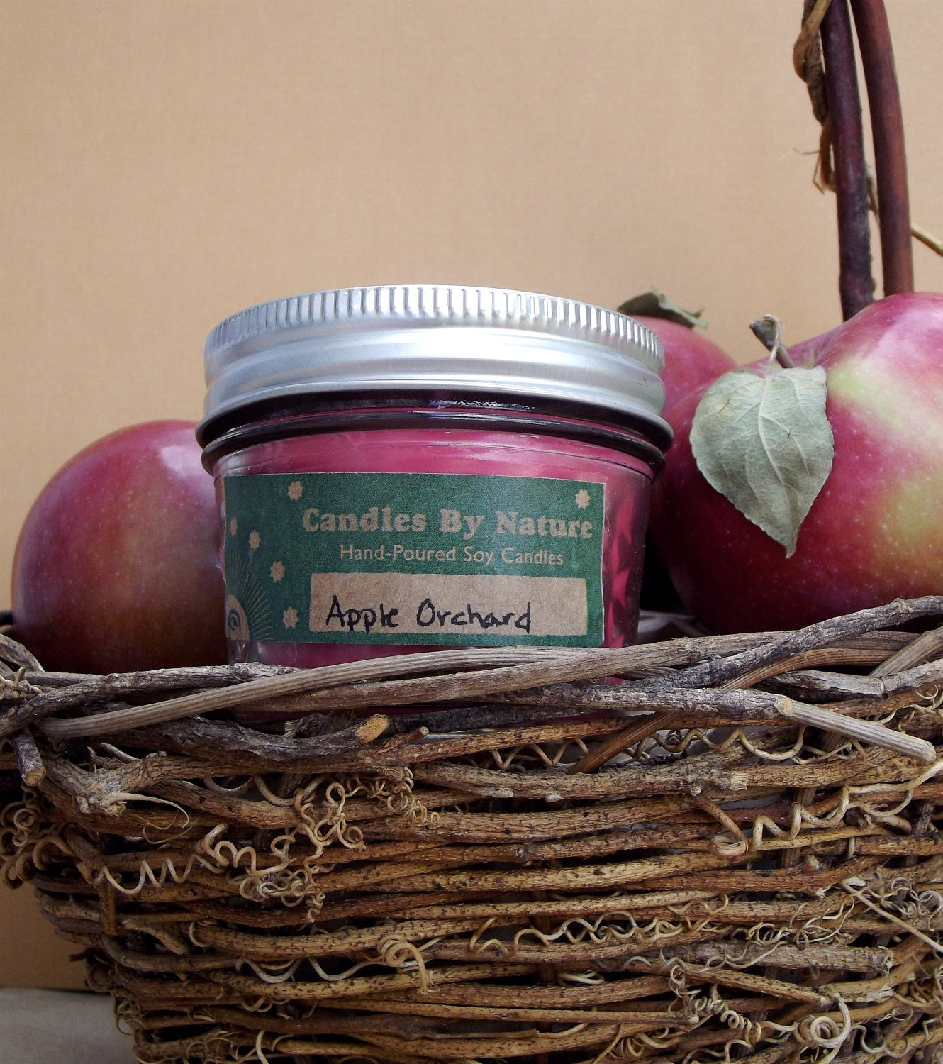 APPLE ORCHARD Handmade Natural Soy Candle (4 oz.) Seasonal-Fall/Autumn
