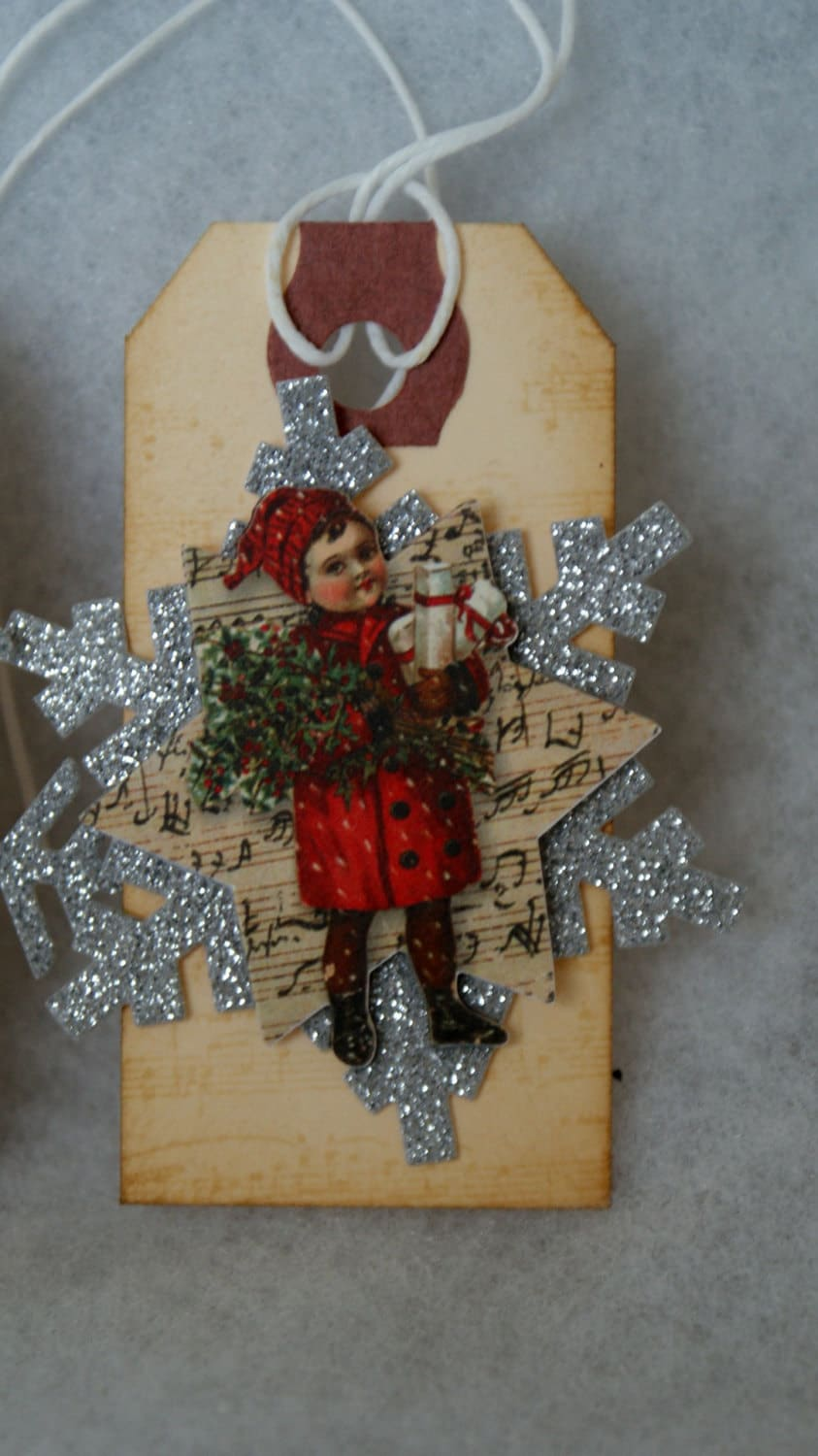 SET of 6 Christmas Tags, vintage style beauty
