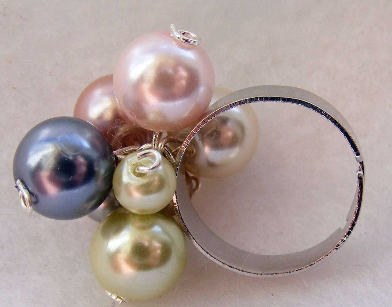 Ring Pearl Shake