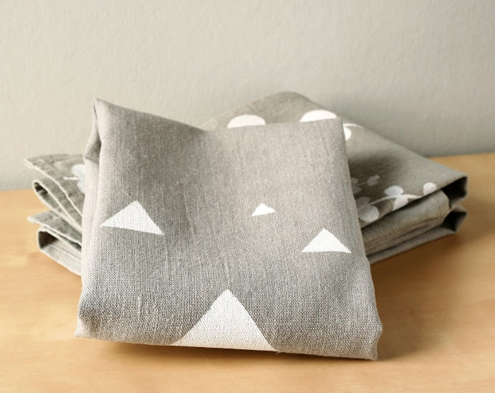 White Triangles on Grey linen dishcloth - Triangles tea towel - Gray and White towel - LesMiniboux
